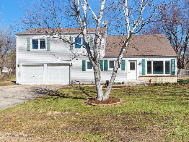26W424 Geneva Road, Carol Stream, IL 60188 (MLS #09989378) :: Ani Real Estate