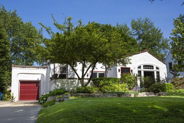 327 6th Avenue, La Grange, IL 60525 (MLS #09989536) :: The Dena Furlow Team - Keller Williams Realty