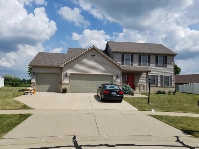 1717 Hunters Ridge Court, Mahomet, IL 61853 (MLS #09989598) :: Littlefield Group