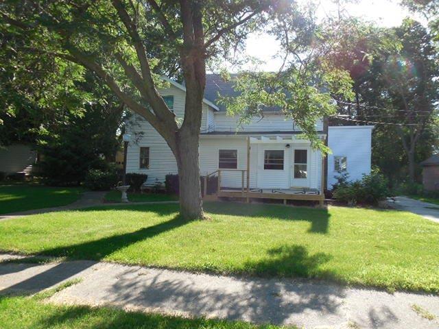 400 8th Avenue, Rock Falls, IL 61071 (MLS #09990069) :: The Dena Furlow Team - Keller Williams Realty