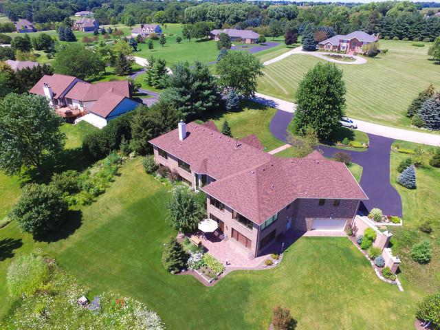 521 Schauer Lane, Rockford, IL 61107 (MLS #09990139) :: The Dena Furlow Team - Keller Williams Realty