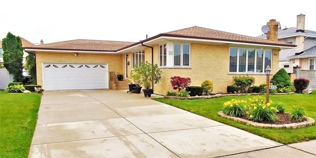8232 W Catherine Avenue, Chicago, IL 60656 (MLS #09990180) :: Ani Real Estate