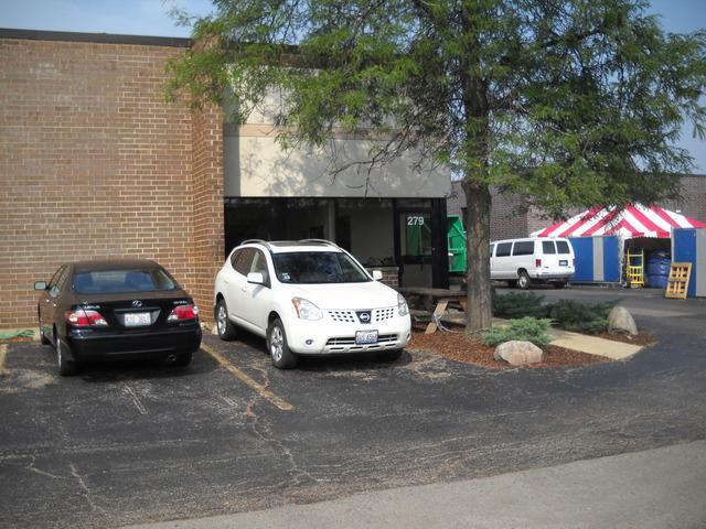 279 Commonwealth Drive, Carol Stream, IL 60188 (MLS #09990460) :: Ani Real Estate