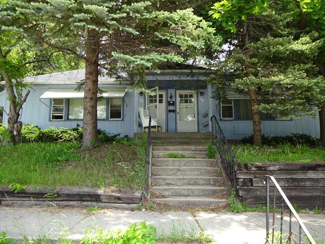 3830 16th Avenue, Rockford, IL 61108 (MLS #09990722) :: The Dena Furlow Team - Keller Williams Realty