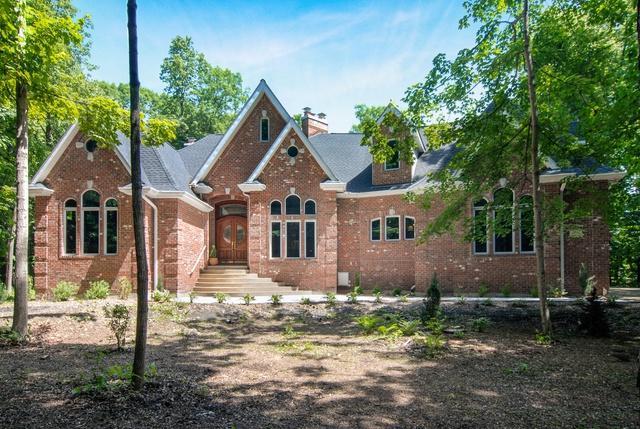 5S785 May Road, Sugar Grove, IL 60554 (MLS #09991047) :: Ani Real Estate