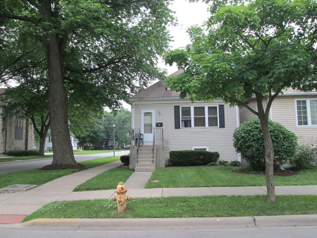 1518 S 5th Avenue, Maywood, IL 60153 (MLS #09991284) :: Ani Real Estate