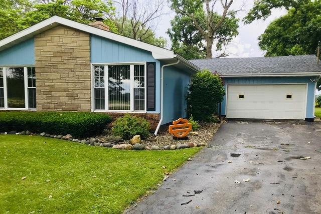 2365 N. 5000 West Road, Kankakee, IL 60901 (MLS #09991370) :: The Dena Furlow Team - Keller Williams Realty