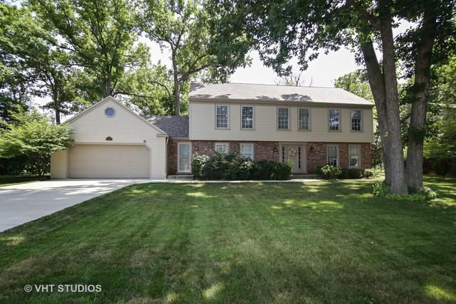 1 Victoria Lane, Lincolnshire, IL 60069 (MLS #09991421) :: Helen Oliveri Real Estate