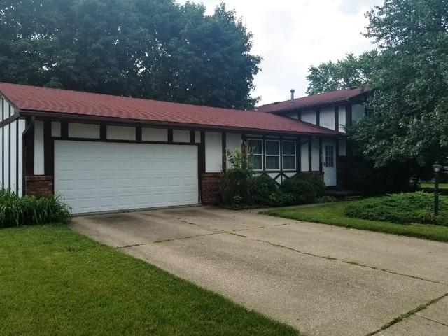 2304 Rebecca Drive, Champaign, IL 61821 (MLS #09991449) :: Littlefield Group