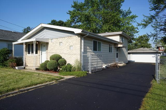 16204 Oak Avenue, Oak Forest, IL 60452 (MLS #09991473) :: The Dena Furlow Team - Keller Williams Realty