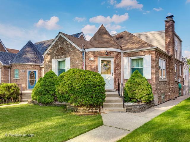 5239 S Major Avenue, Chicago, IL 60638 (MLS #09991655) :: Ani Real Estate