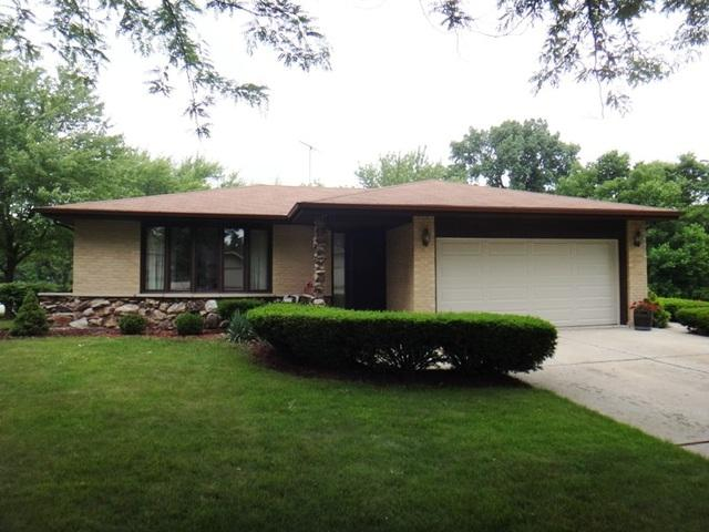105 Cambridge Court, Frankfort, IL 60423 (MLS #09991810) :: Ani Real Estate