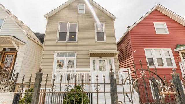 2848 N Elston Avenue, Chicago, IL 60618 (MLS #09991851) :: Ani Real Estate
