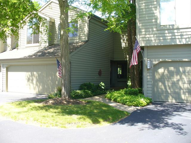 932 N Shoreline Road, Lake Barrington, IL 60010 (MLS #09991905) :: Littlefield Group