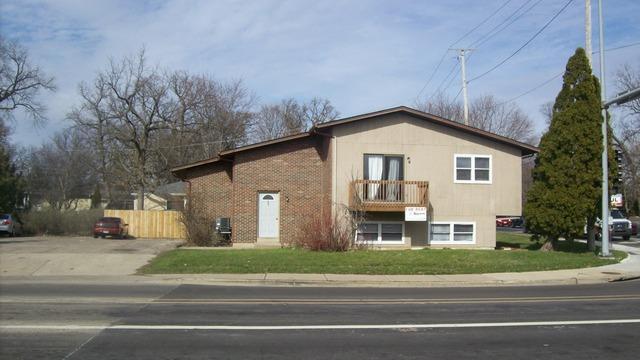 447-449 E Hillcrest Drive, Dekalb, IL 60115 (MLS #09991917) :: The Dena Furlow Team - Keller Williams Realty
