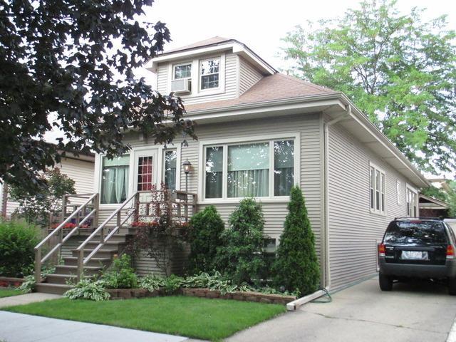2121 N 72ND Court, Elmwood Park, IL 60707 (MLS #09992038) :: Ani Real Estate
