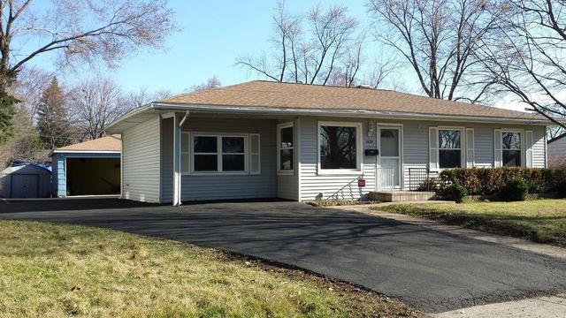 1624 Sycamore Avenue, Hanover Park, IL 60133 (MLS #09992258) :: The Dena Furlow Team - Keller Williams Realty