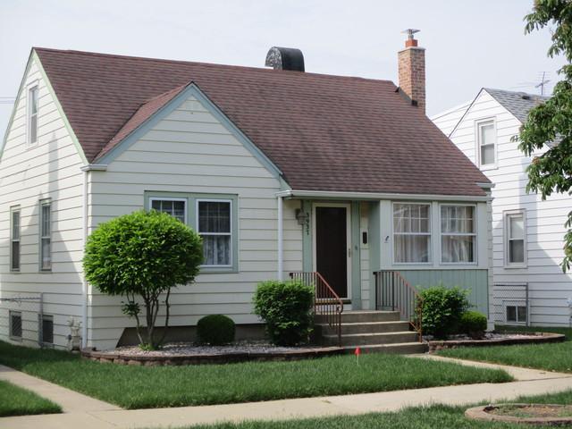 3937 W 105th Street, Chicago, IL 60655 (MLS #09992353) :: The Dena Furlow Team - Keller Williams Realty