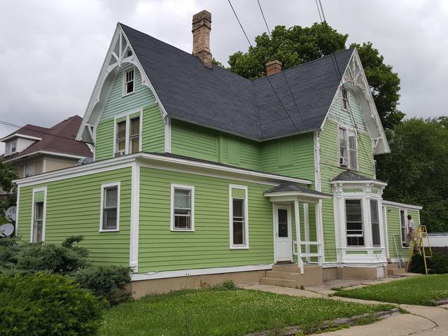 347 St Charles Street, Elgin, IL 60120 (MLS #09992394) :: The Dena Furlow Team - Keller Williams Realty