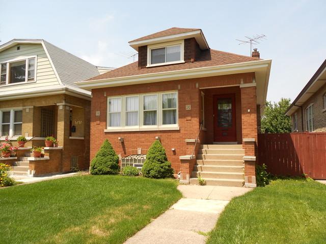 4552 W Wrightwood Avenue, Chicago, IL 60639 (MLS #09992517) :: Ani Real Estate