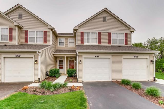 961 Genesee Court #961, Naperville, IL 60563 (MLS #09992811) :: The Wexler Group at Keller Williams Preferred Realty