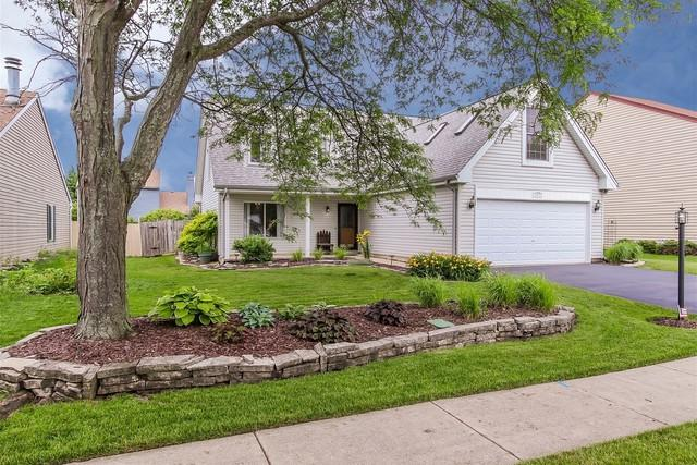 137 Red Cedar Drive, Streamwood, IL 60107 (MLS #09993280) :: The Dena Furlow Team - Keller Williams Realty