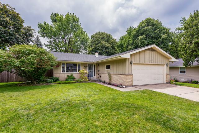 902 Foxwood Circle, Geneva, IL 60134 (MLS #09993292) :: The Dena Furlow Team - Keller Williams Realty