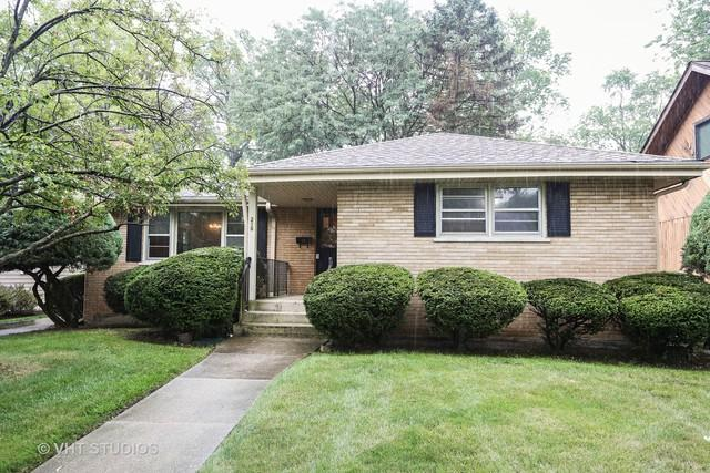 215 8th Street, Downers Grove, IL 60515 (MLS #09993679) :: The Dena Furlow Team - Keller Williams Realty