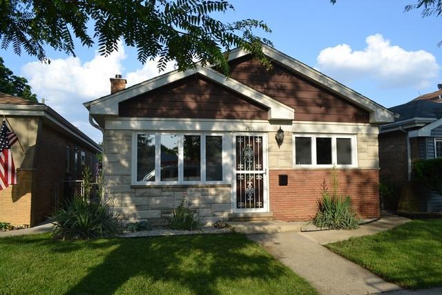 4521 Warsaw Avenue, Lyons, IL 60534 (MLS #09993775) :: Ani Real Estate