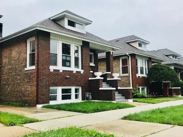 1922 S 60th Court, Cicero, IL 60804 (MLS #09993854) :: Ani Real Estate