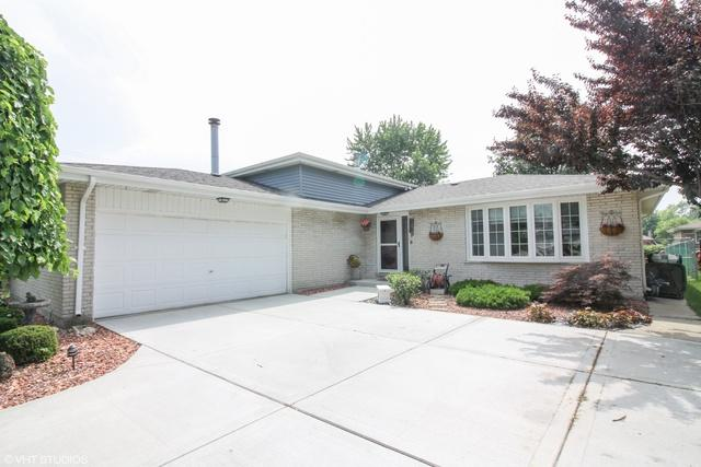 17854 65th Avenue, Tinley Park, IL 60477 (MLS #09993932) :: Ani Real Estate