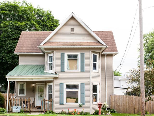 232 W Bluff Street, Marseilles, IL 61341 (MLS #09994092) :: Ani Real Estate