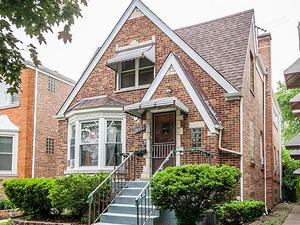2952 N Mason Avenue, Chicago, IL 60634 (MLS #09994609) :: Ani Real Estate