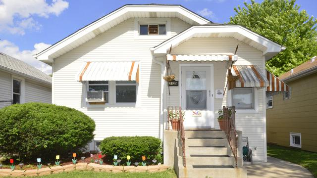 2729 N New England Avenue, Chicago, IL 60707 (MLS #09994623) :: Ani Real Estate