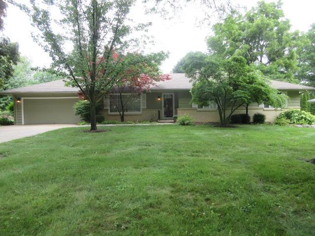 2012 Greenfield Lane, Rockford, IL 61107 (MLS #09994636) :: Ani Real Estate