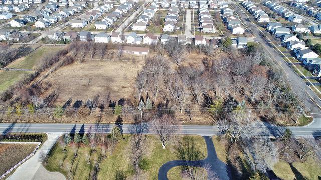 2425 Wolfs Crossing Road, Oswego, IL 60543 (MLS #09994983) :: Ani Real Estate