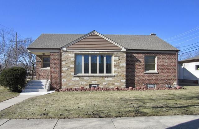 8000 N Elmore Street, Niles, IL 60714 (MLS #09995114) :: Ani Real Estate
