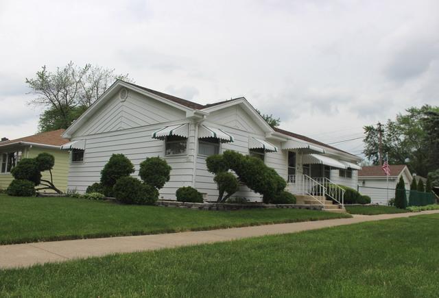 9045 S 51ST Avenue, Oak Lawn, IL 60453 (MLS #09995255) :: The Dena Furlow Team - Keller Williams Realty