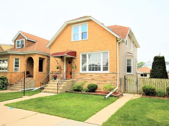 6245 W Cornelia Avenue, Chicago, IL 60634 (MLS #09995274) :: The Dena Furlow Team - Keller Williams Realty