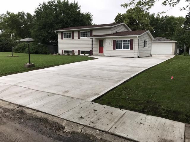 49 Pueblo Road, Montgomery, IL 60538 (MLS #09995304) :: Ani Real Estate