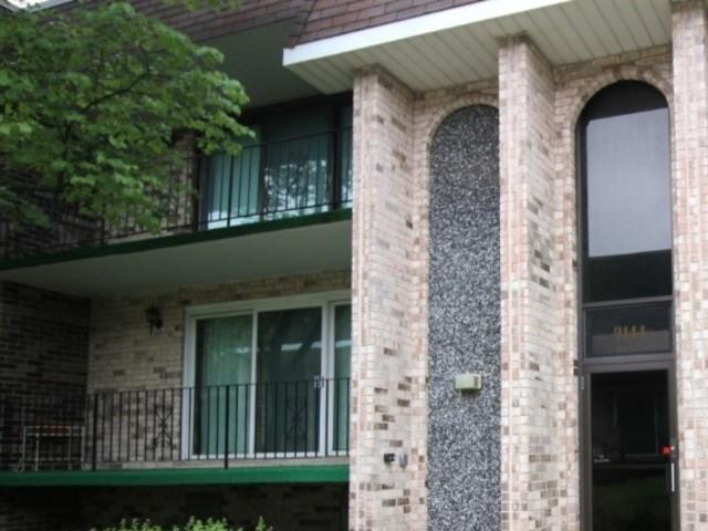 9144 S Pulaski Road 2E, Oak Lawn, IL 60453 (MLS #09995433) :: The Dena Furlow Team - Keller Williams Realty