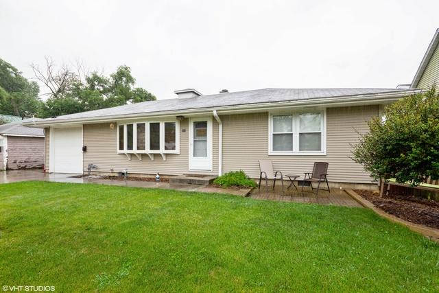 111 E 6th Street, Lockport, IL 60441 (MLS #09995485) :: Ryan Dallas Real Estate