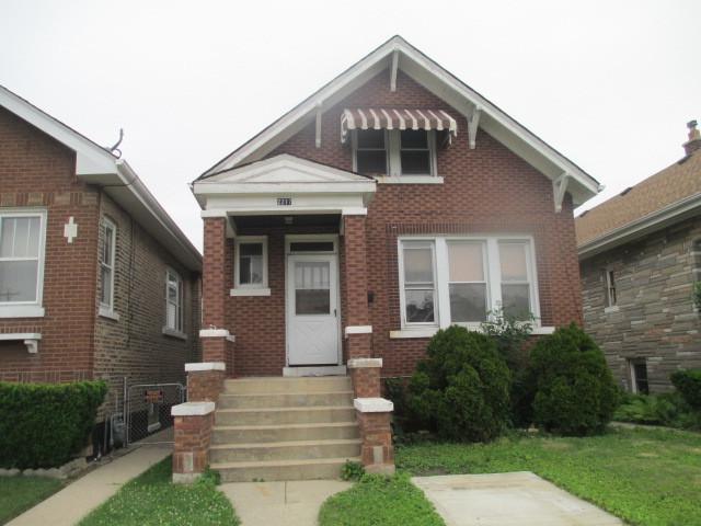 2217 Clinton Avenue S, Berwyn, IL 60402 (MLS #09995762) :: Ani Real Estate