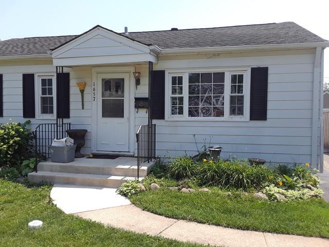 1657 Campbell Avenue, Des Plaines, IL 60016 (MLS #09995785) :: The Dena Furlow Team - Keller Williams Realty