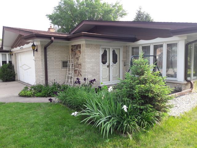4536 N Thatcher Avenue, Norridge, IL 60706 (MLS #09995841) :: Ani Real Estate