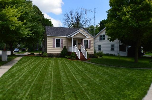 907 Dekalb Avenue, Sycamore, IL 60178 (MLS #09995895) :: Ani Real Estate