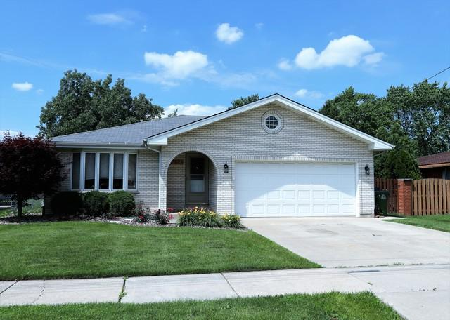 6556 W 92nd Street, Oak Lawn, IL 60453 (MLS #09996031) :: The Dena Furlow Team - Keller Williams Realty