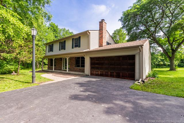 24640 W Middle Fork Road, Barrington, IL 60010 (MLS #09996117) :: Ani Real Estate