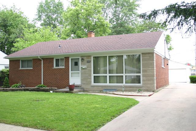 1337 Jeannette Street, Des Plaines, IL 60018 (MLS #09996139) :: The Dena Furlow Team - Keller Williams Realty