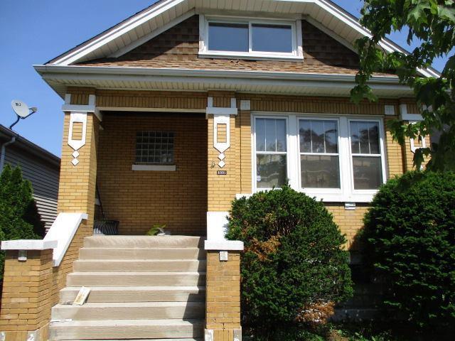 2331 Cuyler Avenue, Berwyn, IL 60402 (MLS #09996143) :: Ani Real Estate